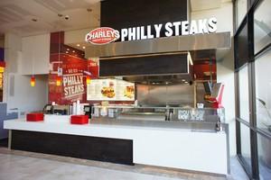Otwarto pierwszą restaurację Charley's Philly Steaks w Polsce