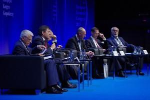 Deregulacja i nowe rynki zbytu lekami na kryzys w Europie