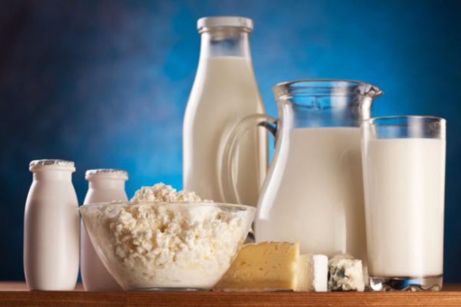 W I kwartale br. spadł skup i przetwórstwo mleka w UE-27