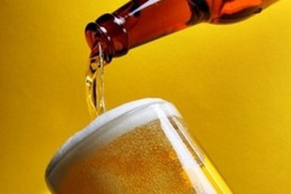 Polacy tylko 15 proc. piwa wypijają poza domem