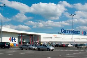 Carrefour rekomercjalizuje i modernizuje swoje centra handlowe