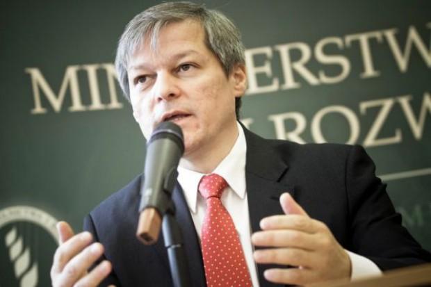 Komisarz UE: Nie wykluczamy przepisów regulujących relacje w łańcuchu dostaw