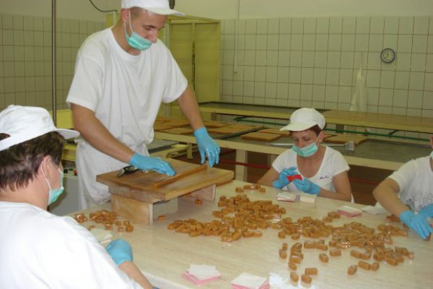 Polacy wydają na słodycze 6 mld zł rocznie, najbardziej lubimy krówki