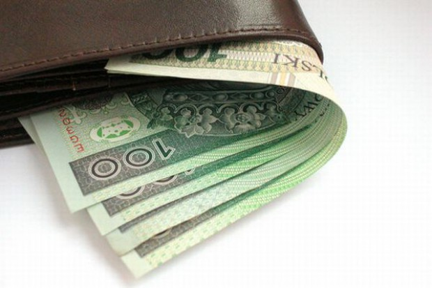 Pensje rosną tylko nielicznym