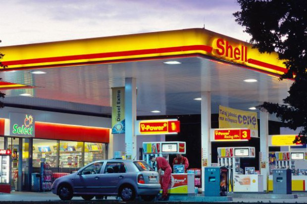 Na 311 stacjach Shell klienci mogą płacić za zakupy smartfonami