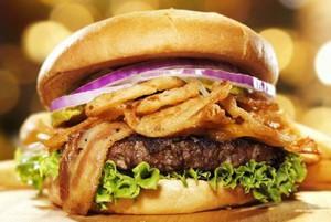 Rośnie popularność lokali serwujących burgery