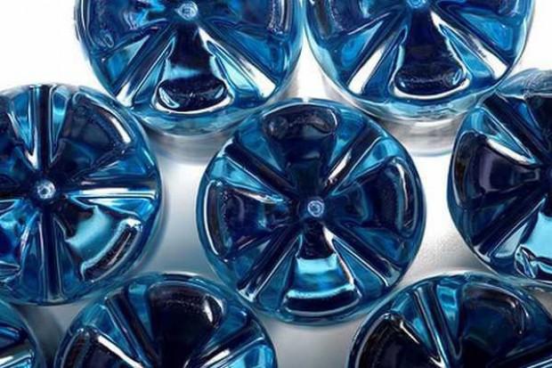 Wody butelkowane zdobywają rynek