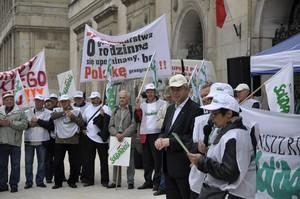 Zdjęcie numer 5 - galeria: Dość lekceważenia rolników - protest pod ministerstwem (zdjęcia)