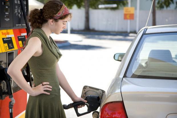 Stacje paliw będą informować na bieżąco o cenach paliwa