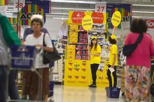 Koszyk cen: Festiwal promocji - w tydzień hipermarkety są w stanie zejść z cenami o 50 zł