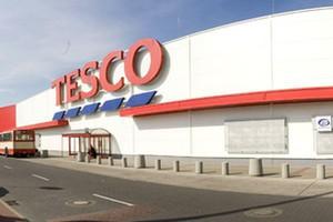 Tesco i Sainsbury's notują wzrosty w sektorze online