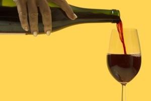 GUS: Produkcja win owocowych przyspiesza