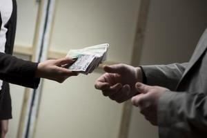 Zarobki w handlu w 2012 r. kształtowały się na poziomie 3,5 tys. zł brutto miesięcznie