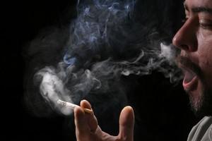 Protest strony społecznej przeciwko zbyt wysokiej podwyżce akcyzy na wyroby tytoniowe