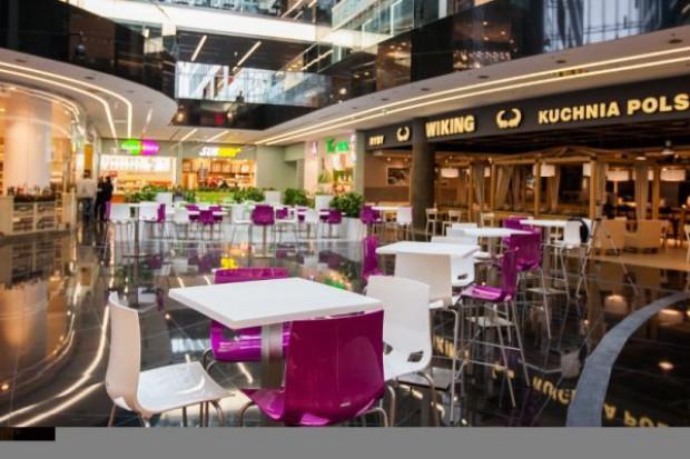 Strefy gastronomiczne w centrach handlowych dążą do stylu i designu