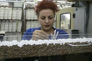 GUS: Produkcja papierosów spadła o ponad 5 proc.