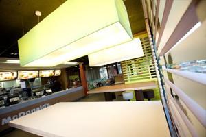 McDonald's ma trzy lokale w pobliżu Dworca Centralnego. Sieć spokojna o ich obroty