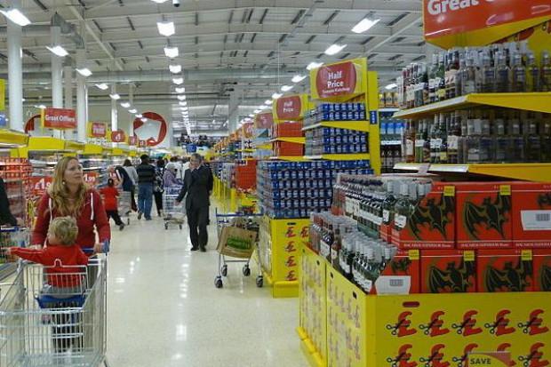 Hipermarkety tracą udziały w rynku
