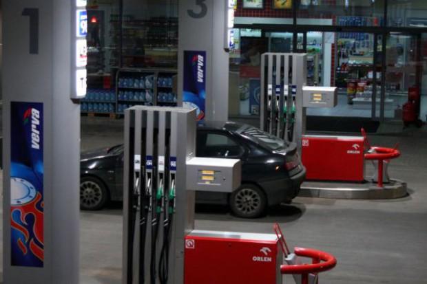 Sklepy na stacjach paliw zanotują spadek obrotów