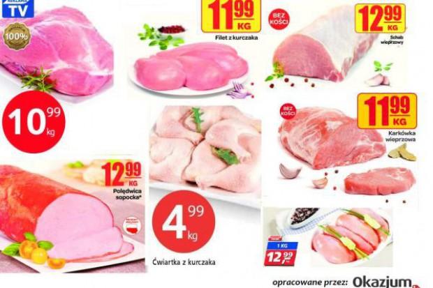 Hipermarkety przyciągają klientów mięsem w sklepowych gazetkach