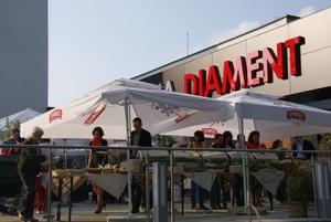 Hotele Diament inwestują w catering