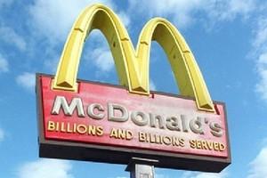 McDonald's zamknął bary na Krymie; Żyrinowski: zamknąć w całej Rosji