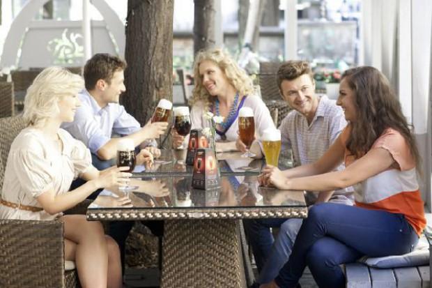 Wydatki na zakup piw Kompanii Piwowarskiej w pubach i restauracjach sięgają ok. 1,6 mld zł