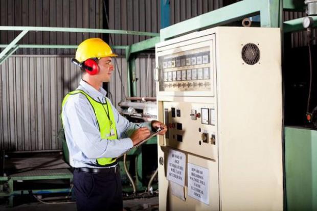 Coraz więcej firm wdraża strategię energooszczędności