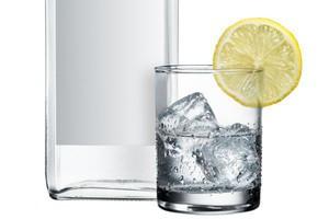 Producenci wódki odrabiają styczniowe załamanie produkcji