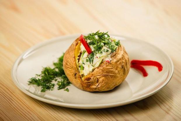Powstaje sieć lokali gastronomicznych serwujących pieczone ziemniaki