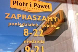 Piotr i Paweł walczy o wizerunek marketu na codzienne zakupy