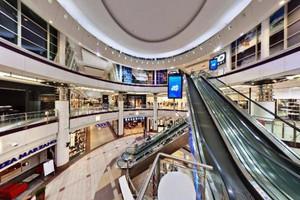 CBRE zbadała zachowania zakupowe klientów. Polacy wolą kupować w ...