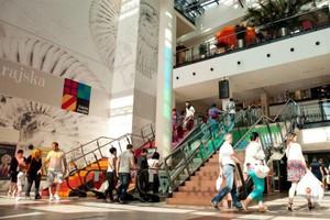 Polacy coraz częściej chodzą do restauracji w galeriach handlowych
