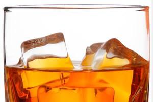 Rosjanie grożą kolejnym embargo. Wykryli szkodliwe substancje w amerykańskiej whisky