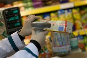 Ekonomiści: Ceny wciąż będą spadać, ale to nie powód do obaw