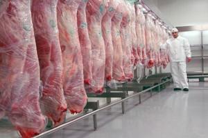 Eksport wieprzowiny z Unii spadł o 9 proc. w 2014 r. Przez ASF