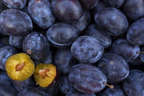 Warzywa i owoce tanieją. Przyczyną embargo lub nadpodaż