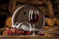 Coraz chętniej siągamy po wino
