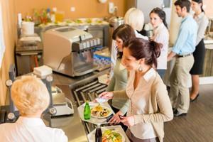 Polacy wydali ponad 25 mld zł na posiłki poza domem