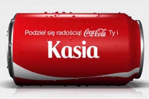 Coca-Cola: Globalny wzrost sprzedaży dzięki kampanii z imionami na etykietach