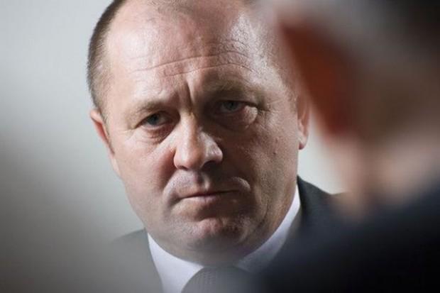Minister Sawicki krytykowany za nazwanie sadowników