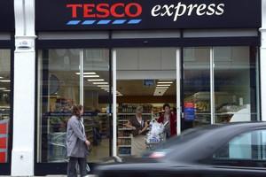 Tesco otworzy sklepy Tesco Express na stacjach PKN Orlen