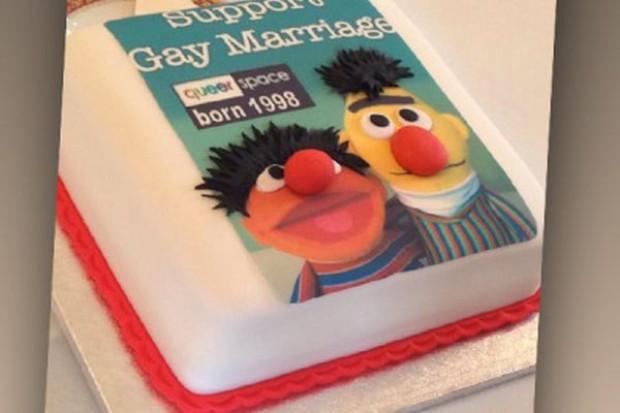 Gejowski tort budzi kontrowersje
