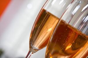 Spór o jakość szampana w parlamencie