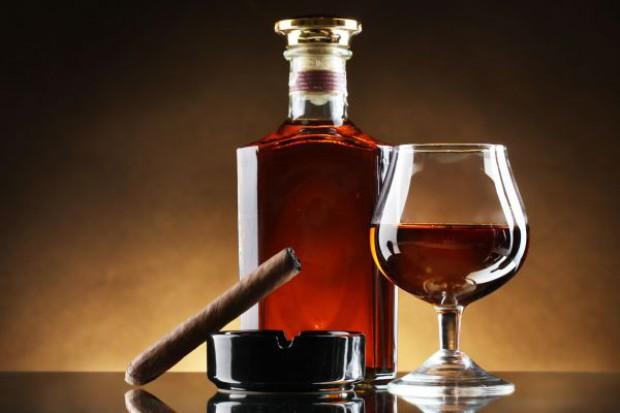 Polacy kupują więcej luksusowych alkoholi i cygar