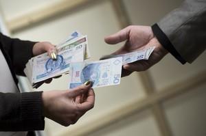 Bank Światowy chce, żeby Polacy więcej oszczędzali