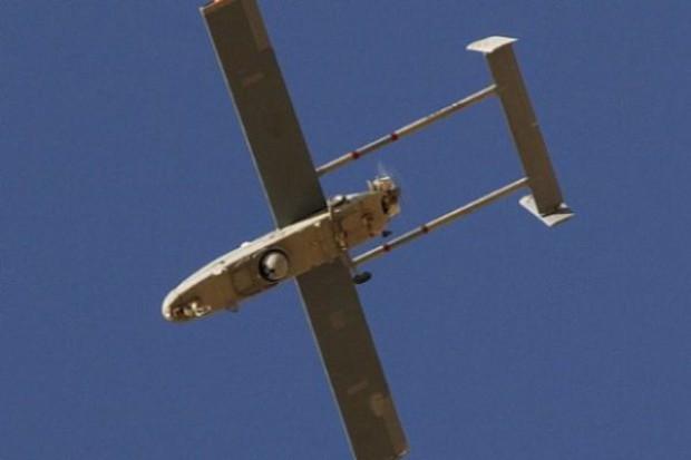Dron z metaamfetaminą spadł na parking przed supermarketem