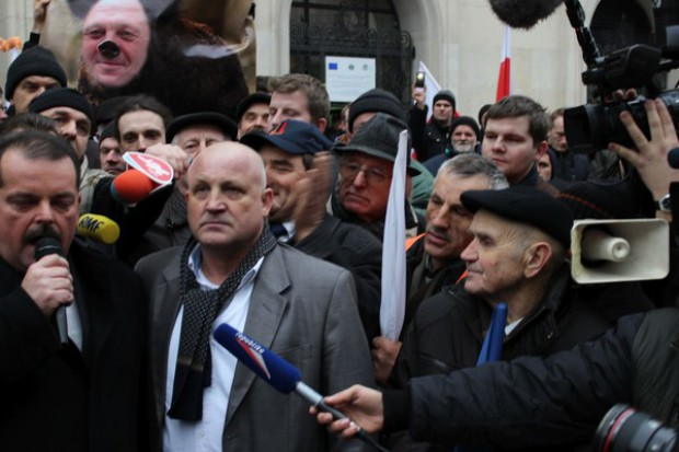 Rolnicy zerwali rozmowy z ministrem Sawickim i zapowiadają zaostrzenie protestów