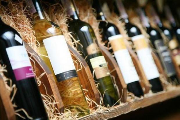Polacy piją coraz więcej win gronowych