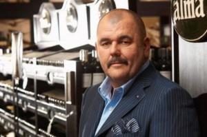Jerzy Mazgaj, właściciel Almy Market, wchodzi w branżę ubezpieczeń